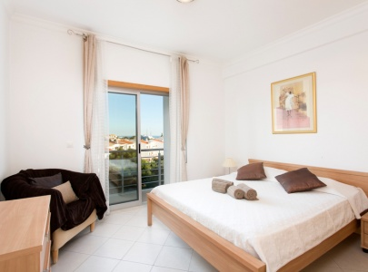 3 Bedroom apartment with pool near the Old Town, Albufeira