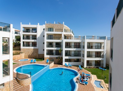 Apartment at Cerro Mar, Albufeira Old Town Overlooking Pool