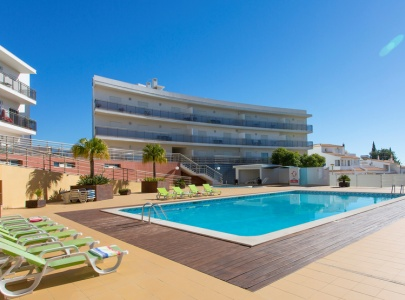 Luxury Apartment in Albufeira with Panoramic Views, Wi-Fi, UK TV