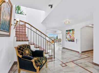 Stunning 5 bedroom Apartment with sea view in Central Albufeira